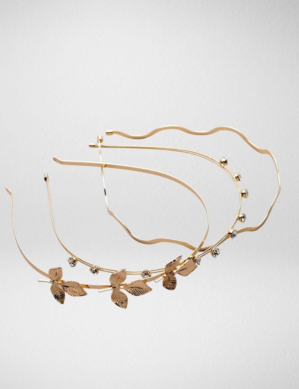 Ornate golden accessory